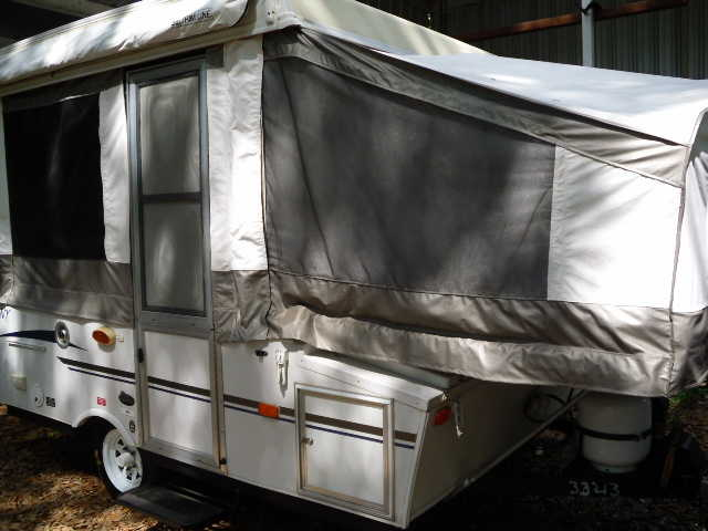 2010 Sportsmen Camper & Pop Up Camper For Rent