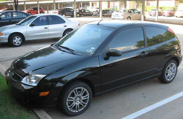 ford focus zx3 hatchback ford focus hatchback 6 500. Black Bedroom Furniture Sets. Home Design Ideas