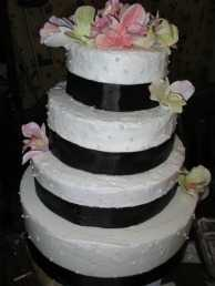 Custom And Creative Cakes & Wedding Cakes!