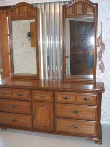 Reasonable! Solid Wood Almost Perfect Bedroom Set