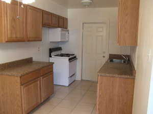 Large 2 Bedroom In Quiet Complex, Laundry, Remodeled - Pets Ok
