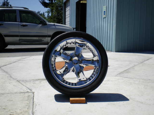 Complete Set Of Arelli Rims On Low Profile Toyo Tires