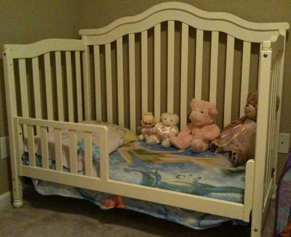 Baby - Toddler - Pre - Teen Bedroom Set White