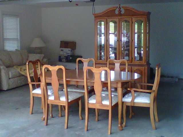 New Dinning Room Set With China Cabinet