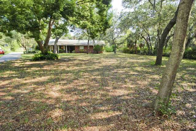 1 Acre Lot With Home In The Heart Of Seminole!