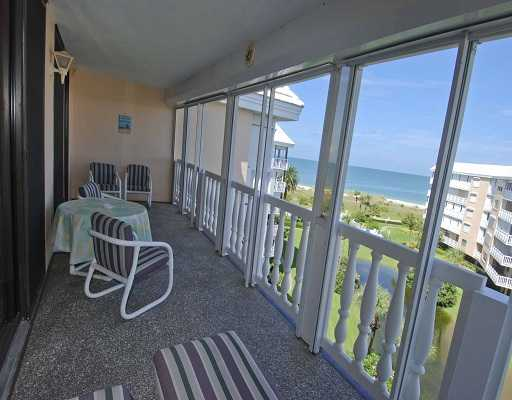 Bargain Direct Beach Front Condo!