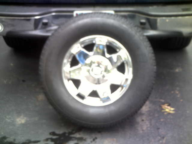 Rolling Bargain! - 4 Stock Escalade Rims W / Dynapro At Tires $600
