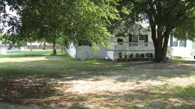 2006 Exceptional Manf. Home On 3 / 4 Acre - Lush Oaks