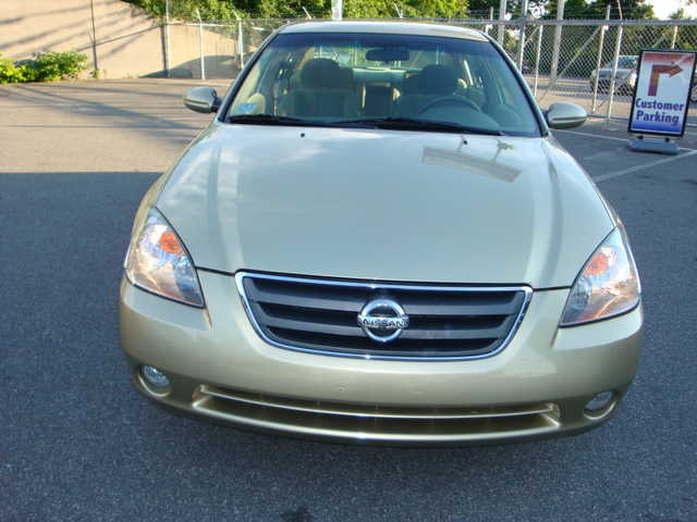 2003 Nissan Altima 2.5 S Loaded!
