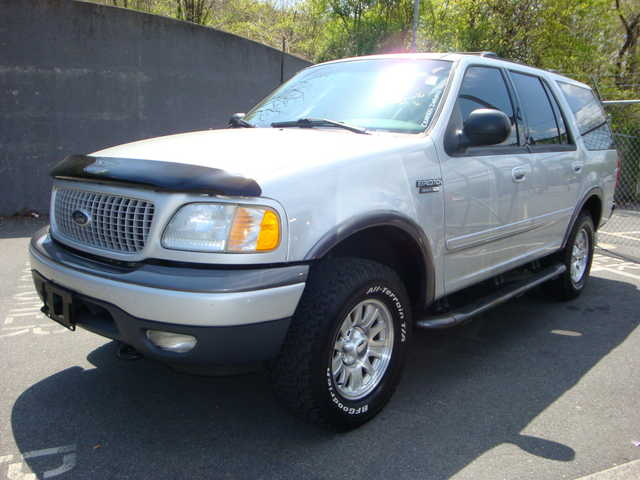 2002 Ford Expedition 4x4 Loaded!