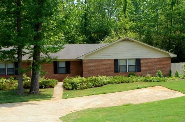 Duplex Close To Super - Walmart, Minutes From Uga!