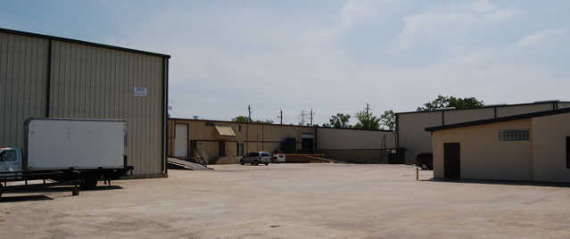 New Listing: 35,800 Sf Office / Warehouse For Sale Or Lease