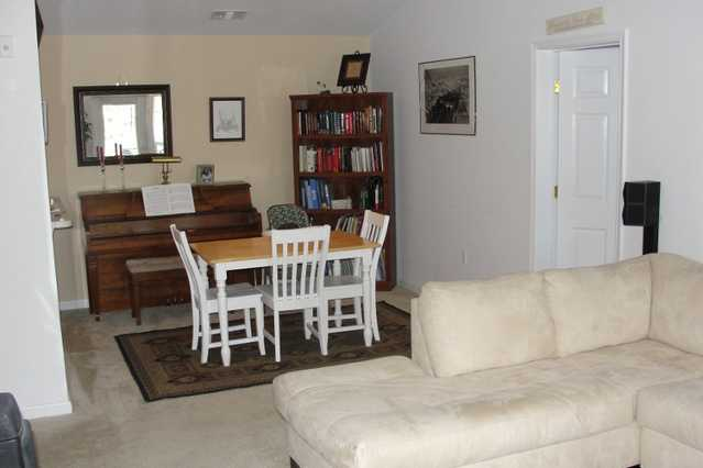 $1105 / 2bed, 2ba - 1118 Sq Ft, 7+ Month Lease, Vaulted Ceilings