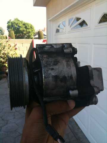 Smog / Air Pump 94 - 95 E320 Mercedes