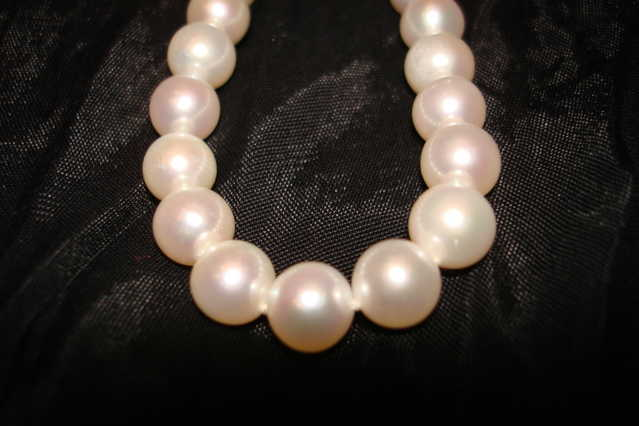 First Hand Brand New White Pearl Necklace For $149