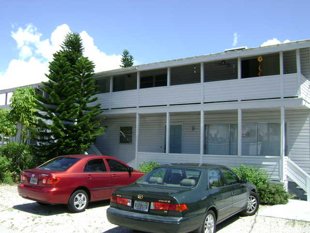 Ft Myers Beach Property For Sale - Four Units - Seasonal Rentals