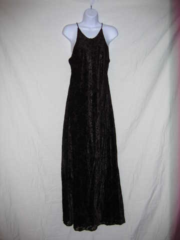 Bridesmaids & Other Formal Gowns At Low Prices