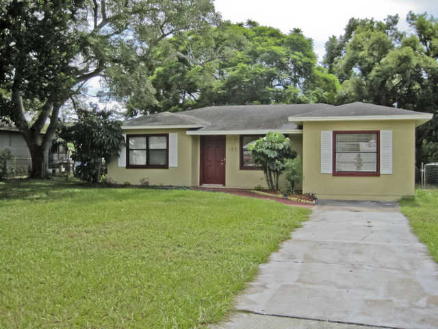 Great 3br / 2ba Split Plan Home On Large 70x120 Lot!