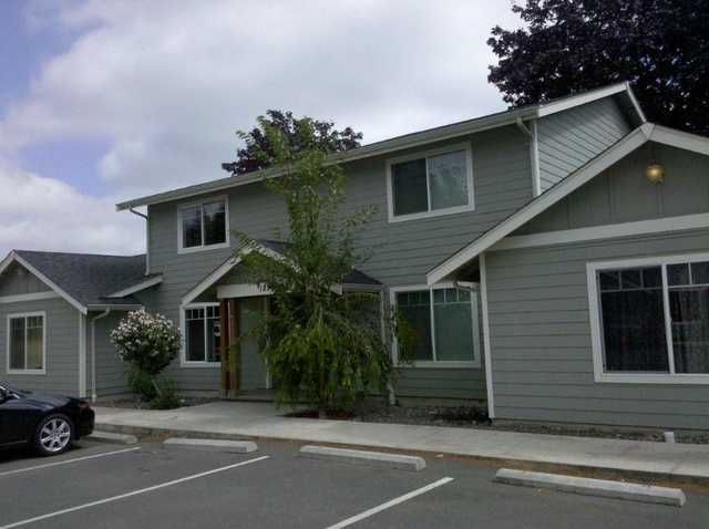 Newer 4 - Plex In Ferndale - Remodeled!