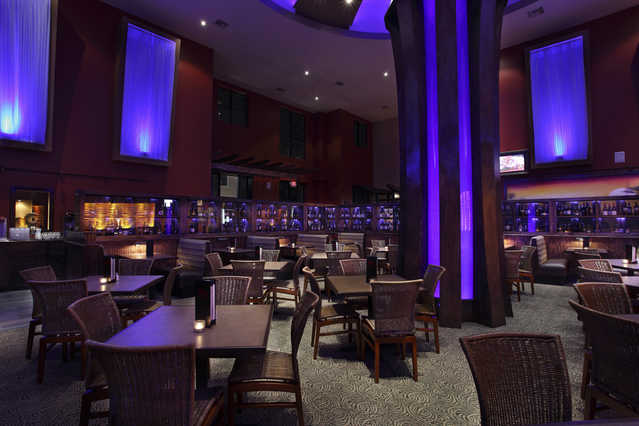 Bartenders Servers Chefs Needed For Upscale Restaurant