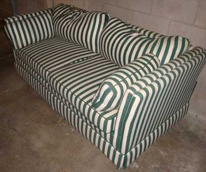 Very Nice Like New White / Green Sofa And Chair