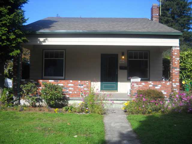 Big 2 Bed 1 Bath With Garage