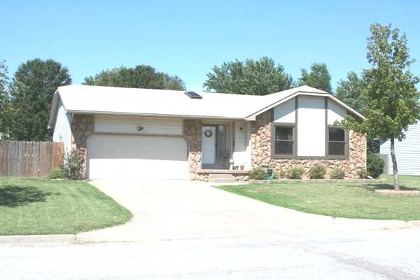 Nice 4 / 3 House For Sale In West Wichita!