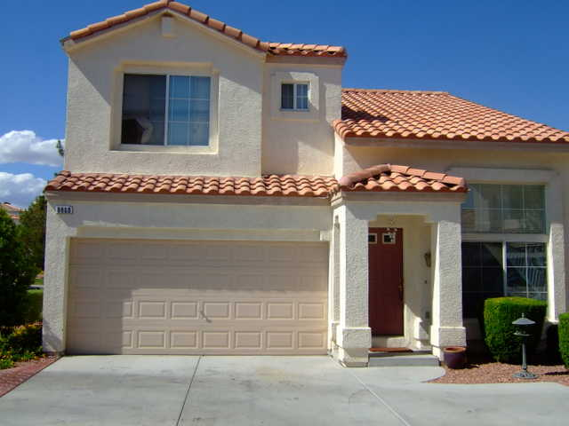 Home Forsale - 8860 Hampton Green$95000 / 3br - 2 Story Home With