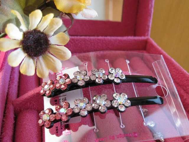 Hair Pin Flower.