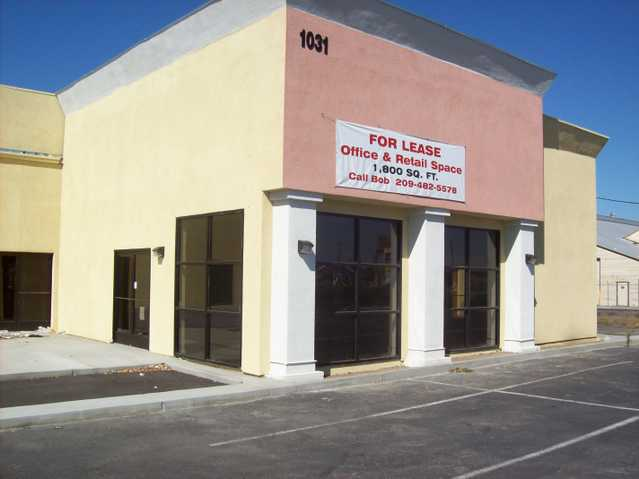 Retail / Office Space For Lease (Get 3 Months Free)