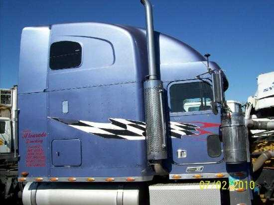 2001 Freightliner Fld120t Classic Cab For Only $3500.00