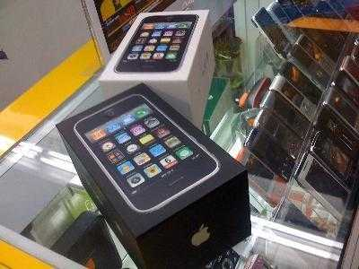 Sales New: Iphone 4 32gb / Blackberry Torch 9800 / Nokia N8 16g