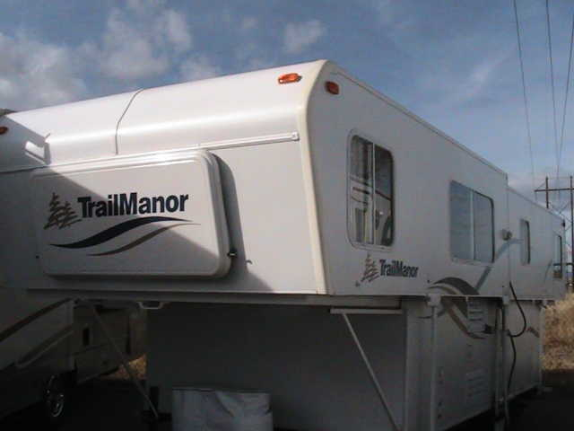 2004 Trail Manor