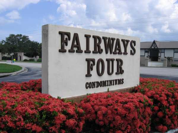 Fantastic Golf Course View Condo 2 / 2 $725 / Mo. + Free Month Rent