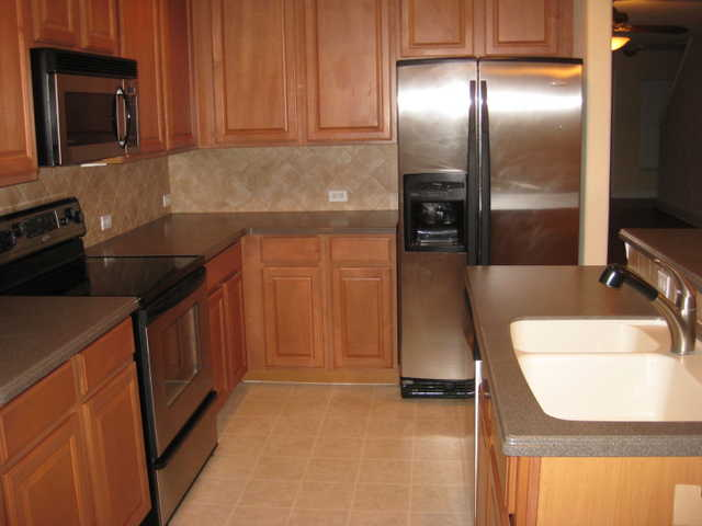 3 Br 2 1 / 2 B Townhouse For Rent