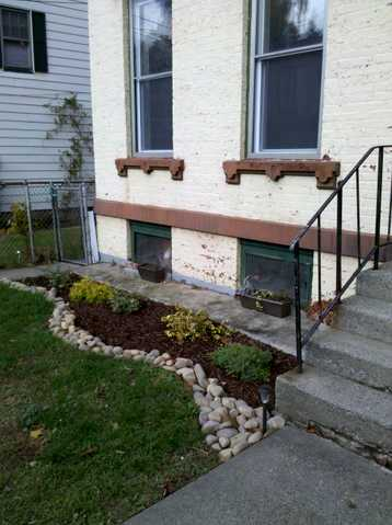 Just Updated! Clean 2 Bedroom Apt Safe & Quiet Neighborhood