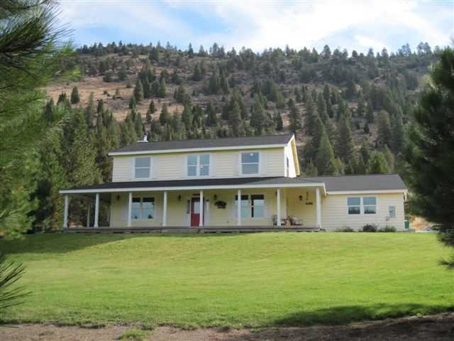 Beautiful Country Home With View In Klamath Falls