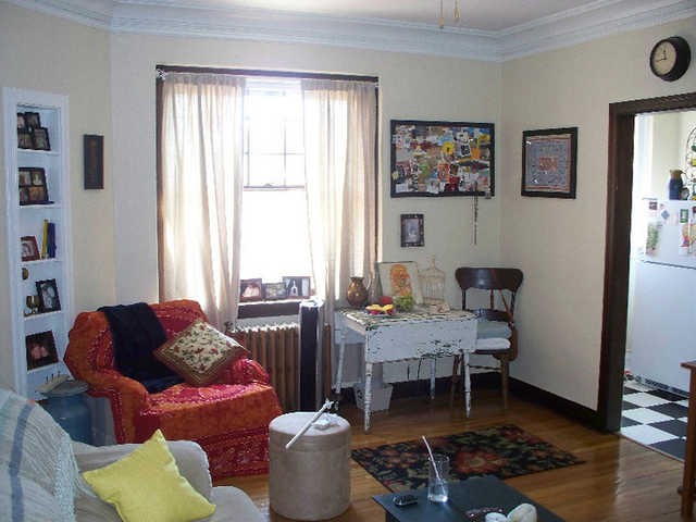 1br   Amazing Vintage Apartment Ready To Rent Immediately!