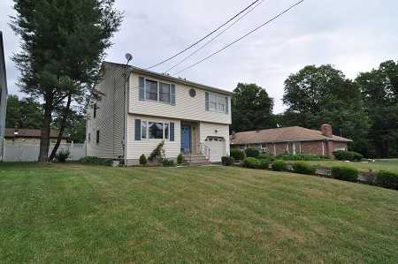 Pristine And Spacious Colonial For Rent