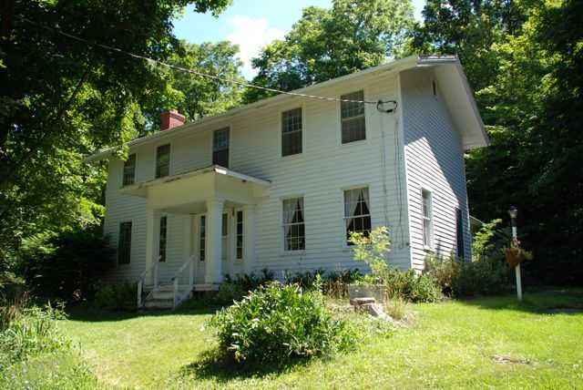 Historic Farmhouse On Honeoye Lake!