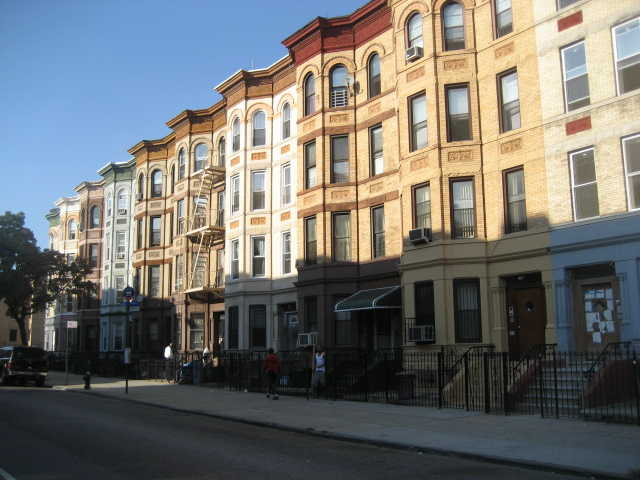We buy brooklyn bed sty bushwick n y houses fast for Buy house in brooklyn