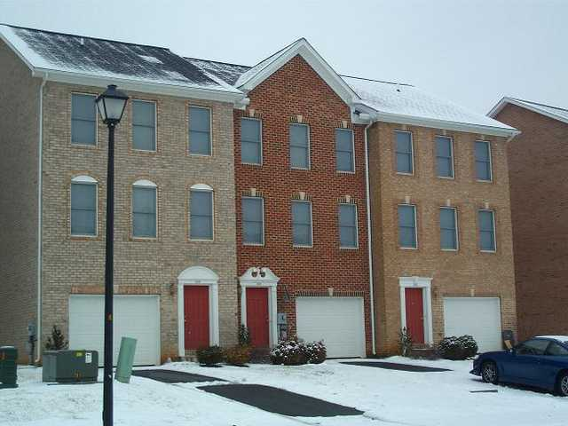 Only 1 Left ! Premium Townhomes 2400 Sq Ft Of Space !