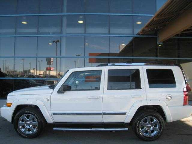 2008 Jeep Commander Limited 4x4 13,700 Miles