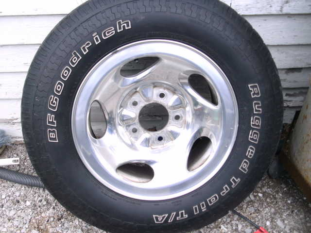 Ford Tires And Rims 235x70r / 16 For 97 Or Newer