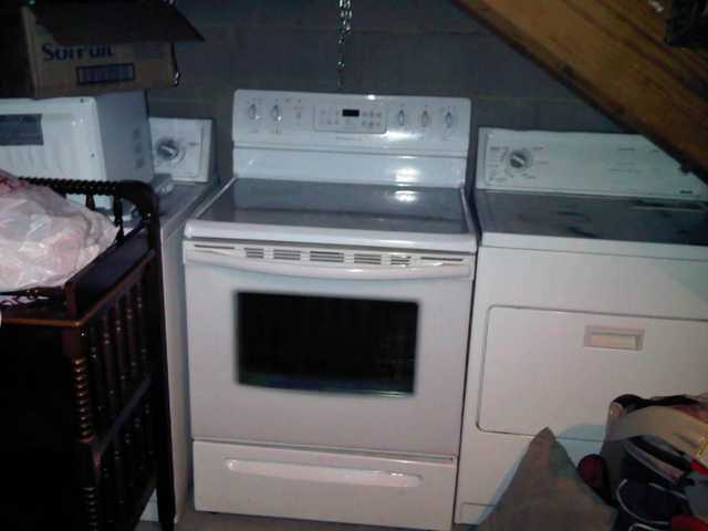 White Glass - Top Stove W / Convection