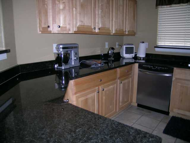 Custom Tile & Granite