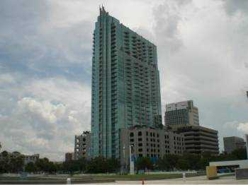 Fully Furnished / Unfurnished 21st Floor City / Water View Skypoint!