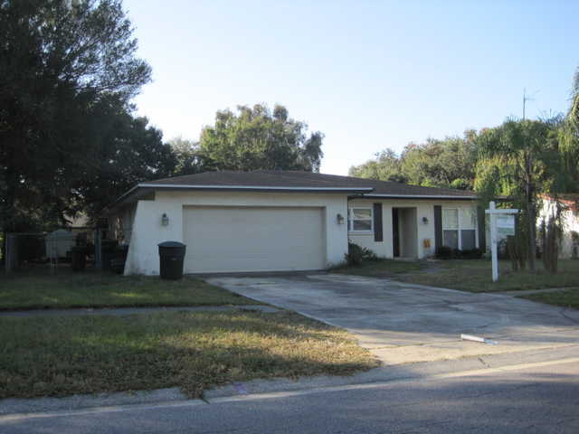 Great 4 Br / 2 Ba / 2cg / Ingound Pool Home!