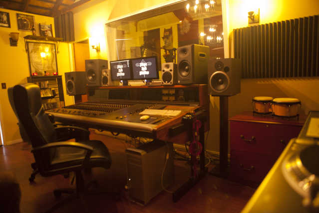 Recording Studio, Special Rates And Promos !