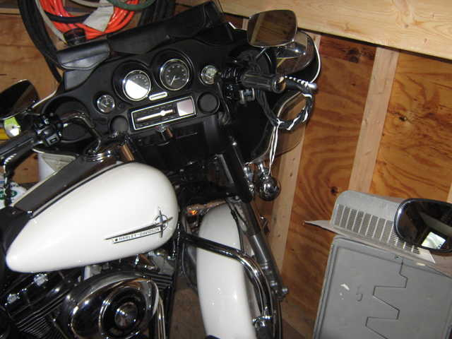2001 Harley Roadking Police Edition, White